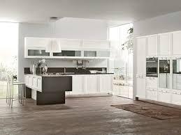 cuisine fonctionnelle plan cuisines plan cuisine fonctionnelle et lumineuse superbes