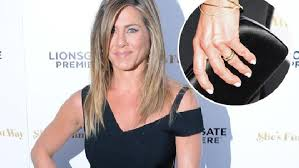 aniston wedding ring aniston s wedding ring on display on she s that way