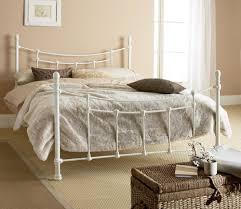 fer forgé chambre coucher élégantes chambres avec des lits en fer forgé décor de maison