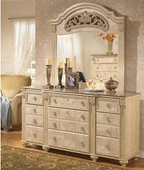 Bedroom Dressers With Mirror Signature Design By Ashley Saveaha Traditional 9 Drawer Dresser