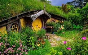 real hobbit house real life hobbit house a gorgeous real world hobbit house in