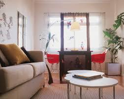 couchtisch wohnzimmer couchtisch rund der hingucker in ihrem wohnzimmer