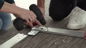 Ikea Armadi Con Ante Scorrevoli by Ikea Come Montare Un Guardaroba Pax Youtube