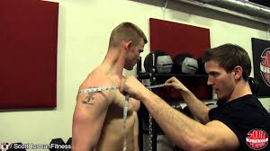 how to measure your gains arm chest shoulder waist hip thigh
