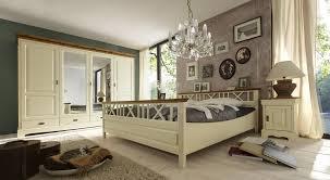 Schlafzimmerschrank Pinie Massiv Schlafzimmer Kiefer Massiv Weiß Im Landhausstil Bolzano