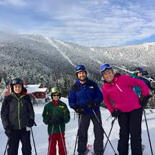why family ski vacations are a great way to connect