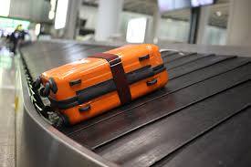 airports are losing fewer checked bags u2014but it u0027s not why you think