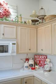 What To Put Above Kitchen Cabinets by Best 25 Christmas Kitchen Decorations Ideas Only On Pinterest