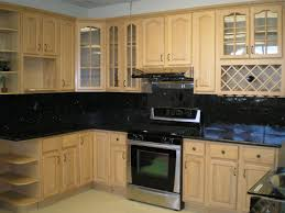 maple shaker kitchen cabinets delighful natural maple shaker kitchen cabinets cathedral l