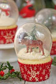 snow globe cupcakes with gelatin bubbles from sugarhero com