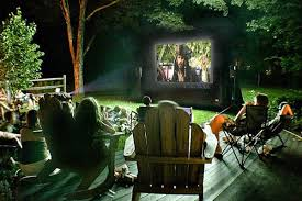 throw an outdoor movie party for friends and family in chicagoland