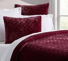 nia velvet quilt full queen rose bedroom pinterest velvet