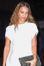 jessica alba changes her hair look 4 times at new york fashion