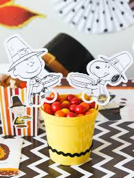when does charlie brown thanksgiving air thanksgiving party