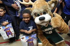 bucks partner with buycostumes com to deliver free halloween