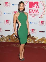 optical illusion dress s optical illusion dress wows on the carpet outside the