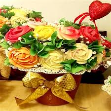 edible bouquet bouquet cake 4 skuedbcak04 online gifts delivery in dubai uae