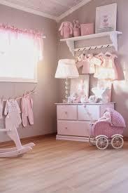 parquet chambre fille une chambre bébé fille taupe et avec parquet pour un coin