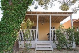 room luxury bungalow with outside verhanda