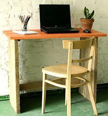 fabriquer un bureau en bois bureau bois brut esprit cabane idees creatives et ecologiques