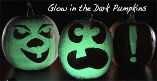 Glow In The Dark Outdoor Halloween Decorations by 50 Spooktacular Diy Halloween Decorations For The House And The Party