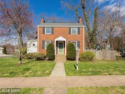 what is a colonial house how much for a late 20th century 3 bedroom colonial home like 14024