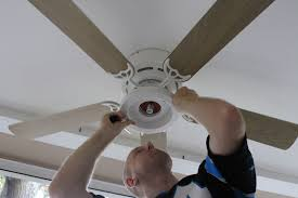 Light Bulbs For Ceiling Fans Change Light Bulb In Ceiling Fan Ceiling Designs