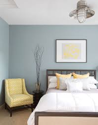 Have Nearby Bathroom Yellow With Blue Accents Chambre à Coucher - Bedroom and bathroom color ideas