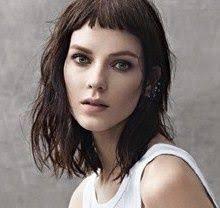 Frisur Lange Haare Naturwelle by 25 Ideeën Die Je Leuk Zult Vinden Frisuren Halblang