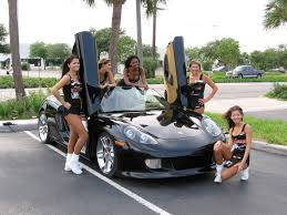 sport cars with girls 25 photos of hooters girls and cars complex