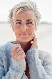70 year old ladies with short grey hair 1996 best women who rock the silver hair images on pinterest