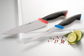 coloured handles for extra safety in the kitchen