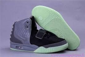Jual Sepatu Nike Air Yeezy zoen35417 nike air yeezy 2 homme chaussures noir grise kudamm homme