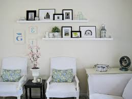 cool vintage living room with simple picture frame arrangement cool vintage living room with simple picture frame arrangement idea