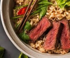 cuisine chinoise boeuf aux oignons nouilles sautées chinoises au boeuf recette de nouilles sautées