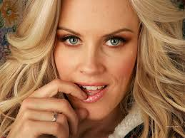 celebrity hairstyle jenny mccarthy hairstyle