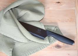 Ceramic Kitchen Knives Review Proper Use And Care Of Ceramic Knives Dalstrong Review