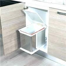 poubelle coulissante cuisine poubelle sous evier ouverture automatique poubelle avec ouverture