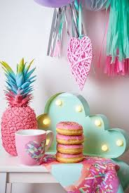 Quirky Home Decor Best 25 Kitsch Ideas On Pinterest Kitsch Decor Colorful