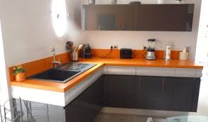 cuisine orange et gris cuisine orange et gris cuisine en u avec comptoir pau with