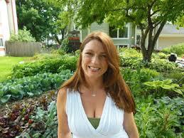 Mulching Vegetable Garden by Drought Garden Secrets Soil Mulch And Water Shawna Coronado
