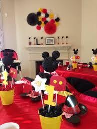 mickey mouse table l pin by l atelier de mamou et maman on idées anniversaire eliott 1 an