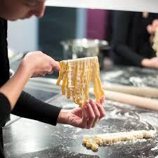 cours de cuisine a domicile cours de cuisine à domicile à montpellier ideecadeau fr