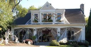 Scary Halloween Decorations For Cheap by Halloween Decorated Homes Decorating Outside For Halloween
