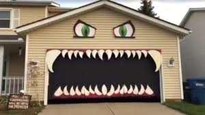 halloween roof decorations people can u0027t stop watching this halloween u0027monster garage u0027 go up