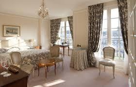 chambre de palace le bristol office de tourisme