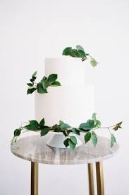 wedding cake greenery 10 ways to decorate your wedding with greenery greenery wedding