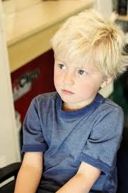 coupe de cheveux blond coupe garçon coupe garçon aux cheveux blonds