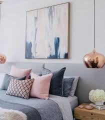 deco chambre adulte blanc idée déco chambre cocooning linge de lit en gris et lit gris