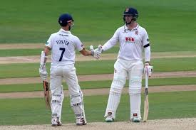 foster and simon harmer put essex in on day two